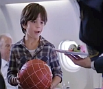 Leo Messi vs Kobe Bryant - Legends On Board - Turkish Airlines 2012