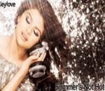 Selena Gomez and The Scene - Summer s Not Hot