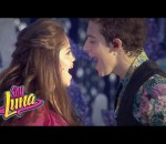 "Soy Luna - Karol y Ruggero cantan ""Alas"" en Magic Kingdom"