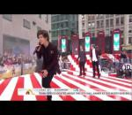 One Direction-Kiss you LIVE